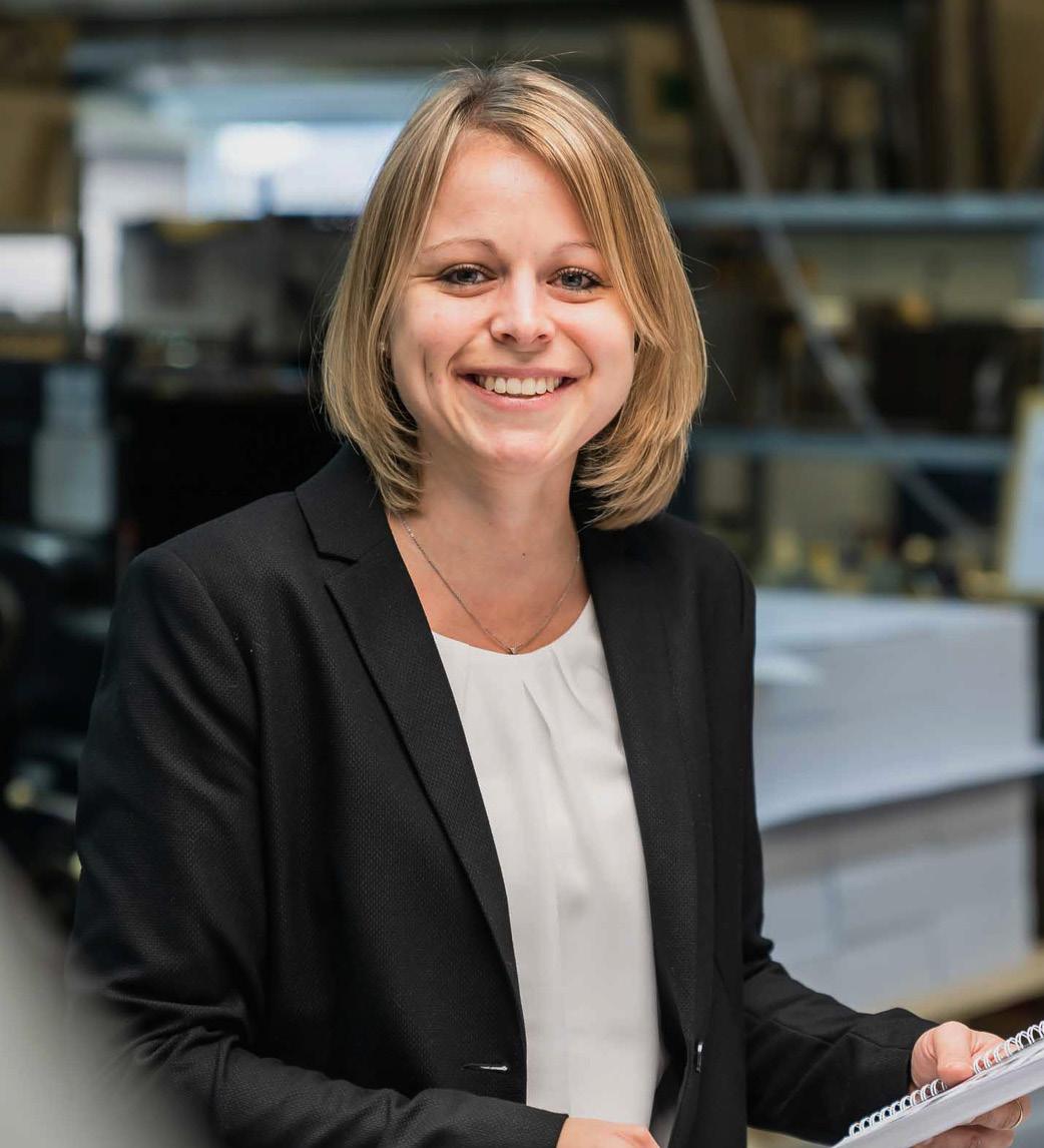 Mitarbeiter Sandra_Wiesendanger medien Druckerei Kontakt UV Druck Murnau